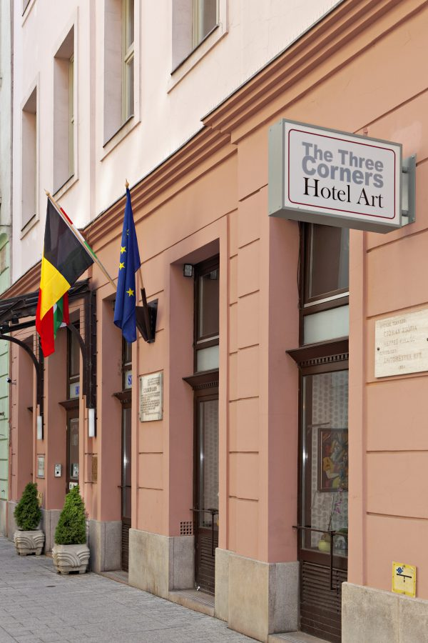 Mondzorg Hongarije - The Three Corners Hotel Art